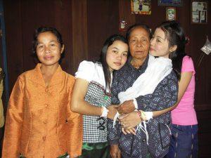แม่คือยอดหญิงในดวงใจ,คำแม่ สอน,เรียง ความ เรื่องแม่,,แม่คือ ,พระคุณแม่,กลอนวันแม่